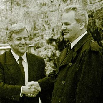 Milan Kučan in Slobodan Milošević na predzadnjem srečanju predsednikov republik Socialistične federativne republike Jugoslavije, Brdo pri Kranju, maj 1991. Foto: Srdjan Živulović/BOBO